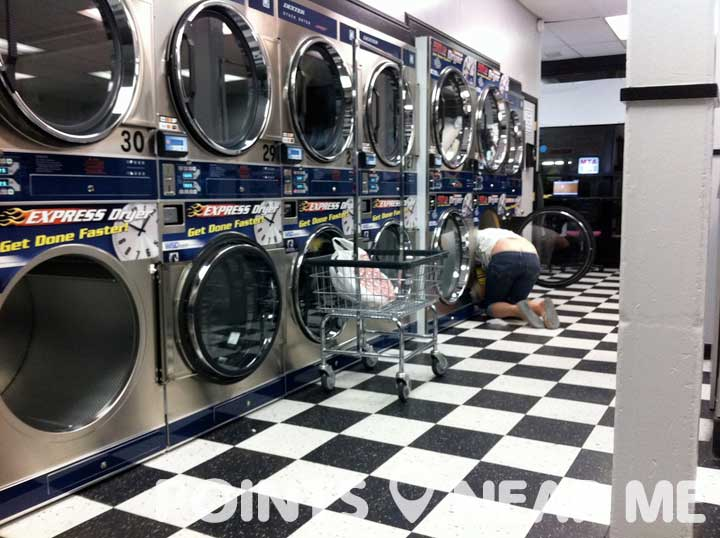 clean wash coin laundry