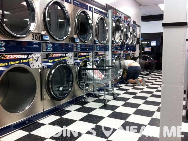 laundromats near me