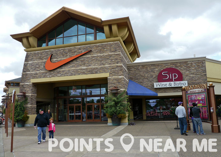 nike outlet near me