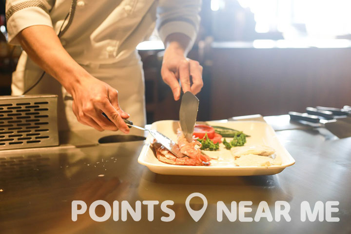 A great cooking class teaches you the basics needed to become a great chef.